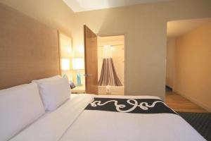 La Quinta Inn and Suites West Palm Beach